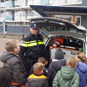 Politie verrast kinderen BSO de Groene Hoek