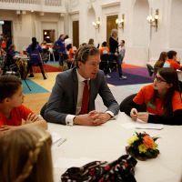 Schiedamse kinderen proeven Haagse politiek