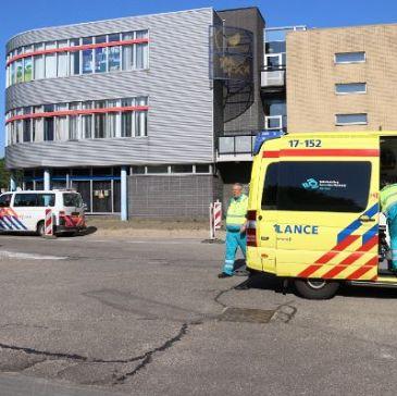 Politie neemt vrouw mee na steekincident