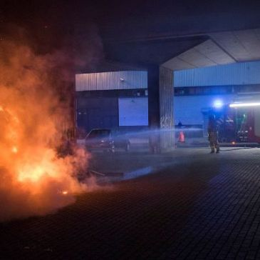 Verkeer A20 naar Schiedam in rook gehuld