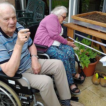 Deelnemers dagactiviteiten Angelapark kunnen eindelijk tuinieren