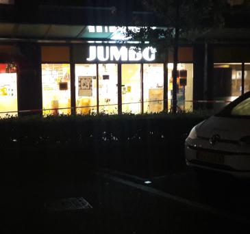 Getuige Jumbo overval: 'ze hadden een hakbijl, pistool en mes'