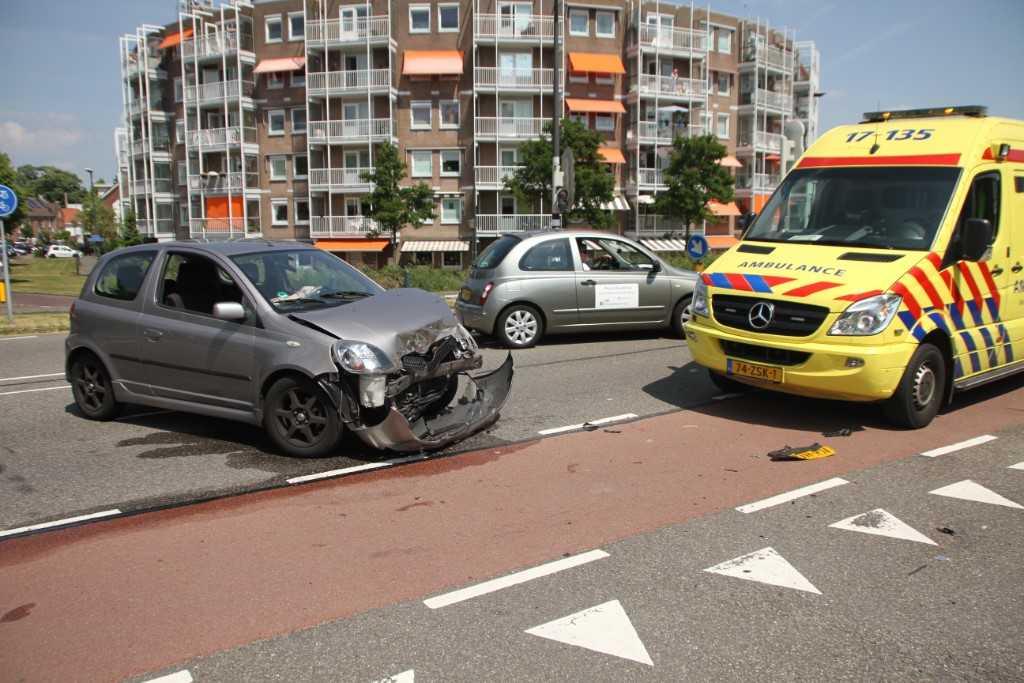 Veel schade bij aanrijding Westlandseweg