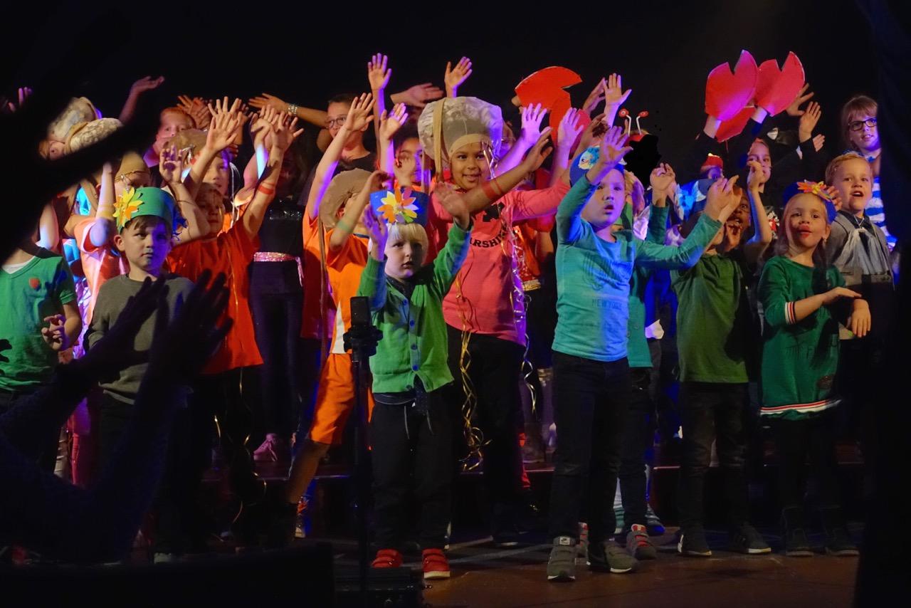 Kinderen Christal schitteren in musical