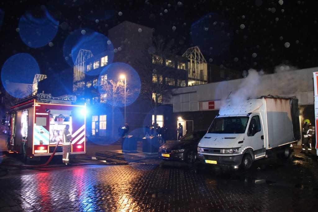 Bestelbus in brand in Vlaardingen