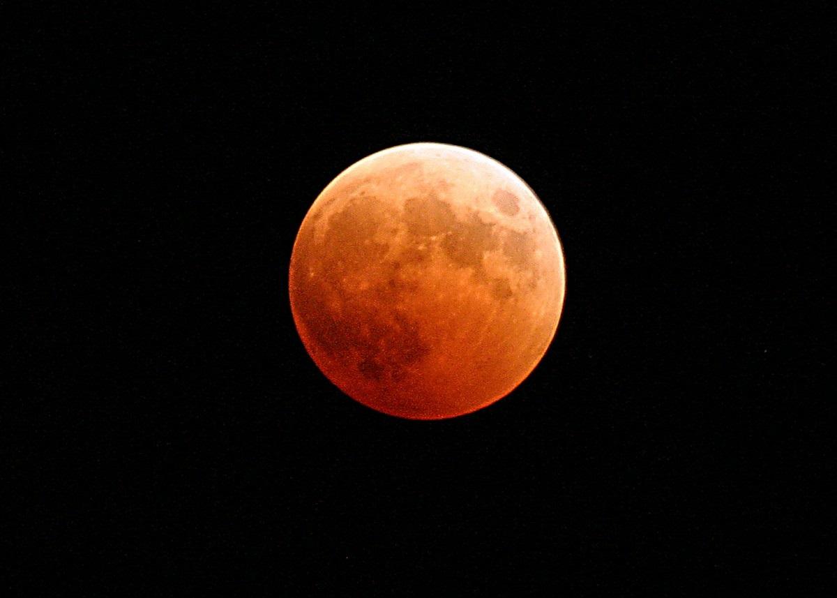 Vroeg op voor maansverduistering
