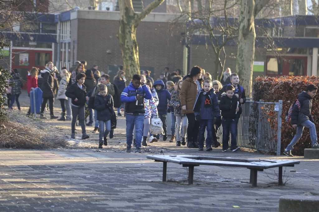 Basisschool De Schakel ontruimd vanwege gaslucht