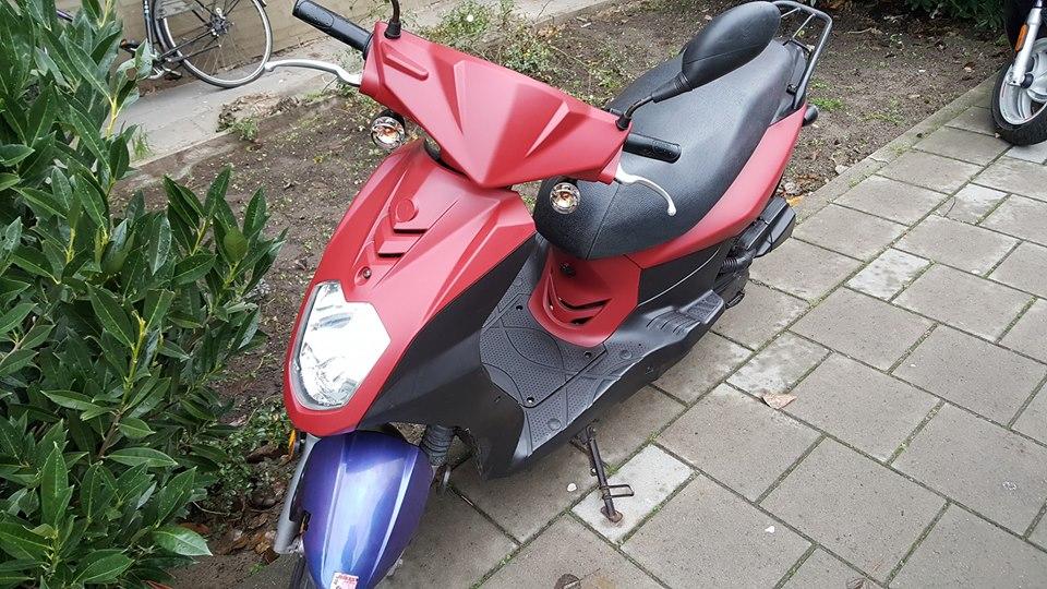 Opvallende scooter gestolen