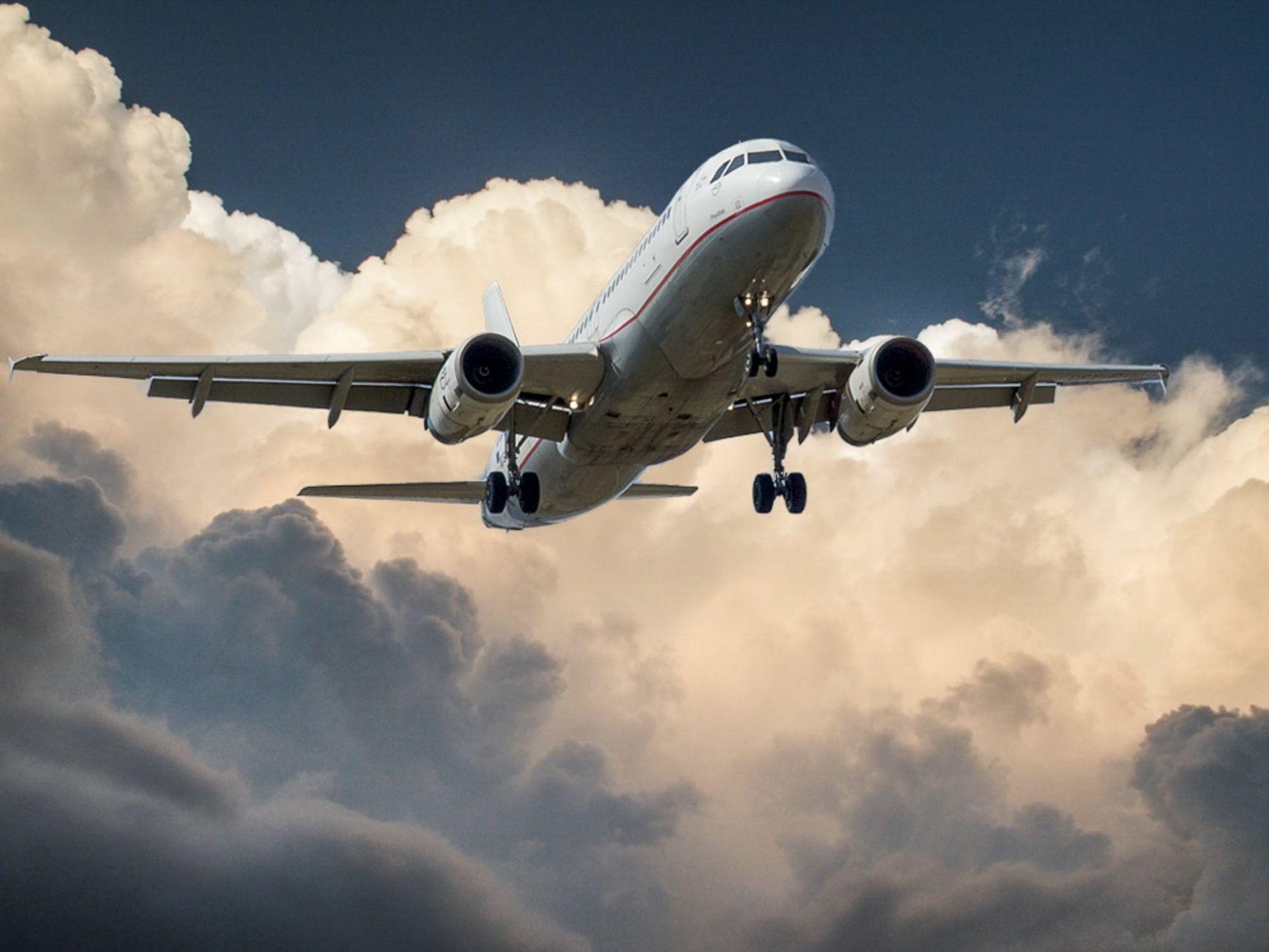 Provincie wil onderzoek naar 'verhuizing' vliegveld