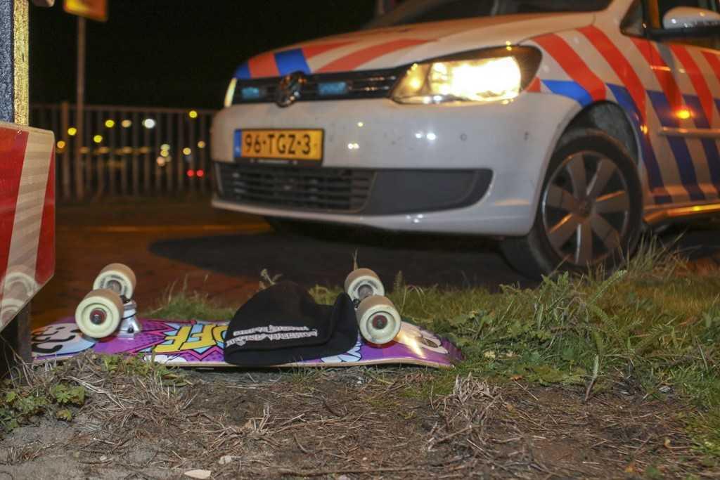 Jongen op skateboard aangereden