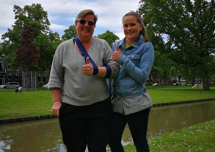 Heldinnen redden schaapje van verdrinkingsdood
