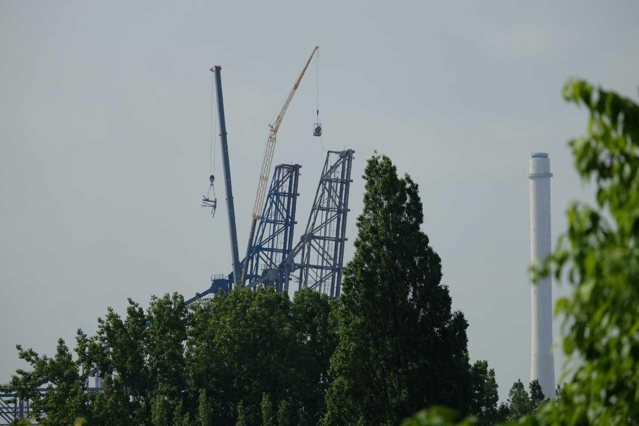 Monumentale havenkranen verdwijnen uit Vlaardingen
