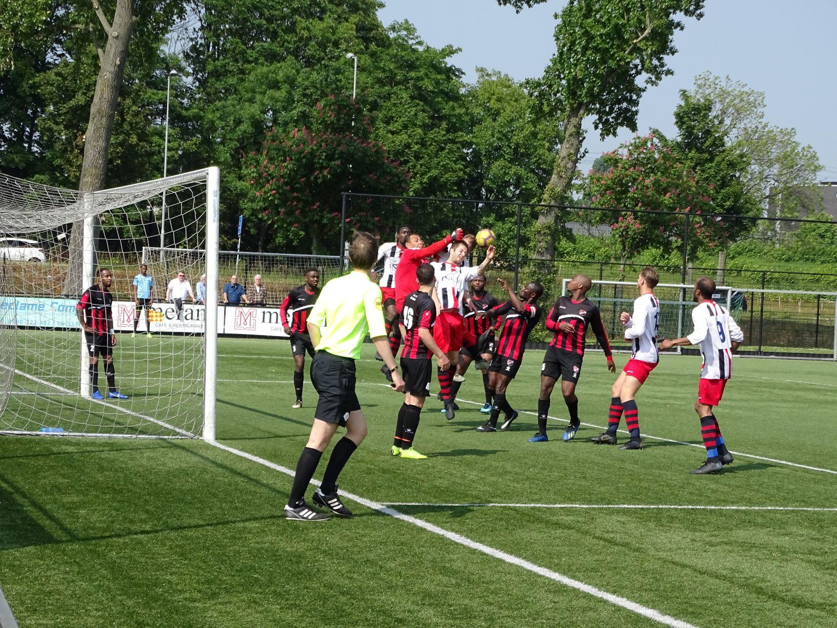 Victoria '04 wint bij FC Maense