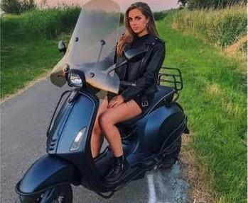 Wie heeft de gestolen scooter van Ashley gezien?