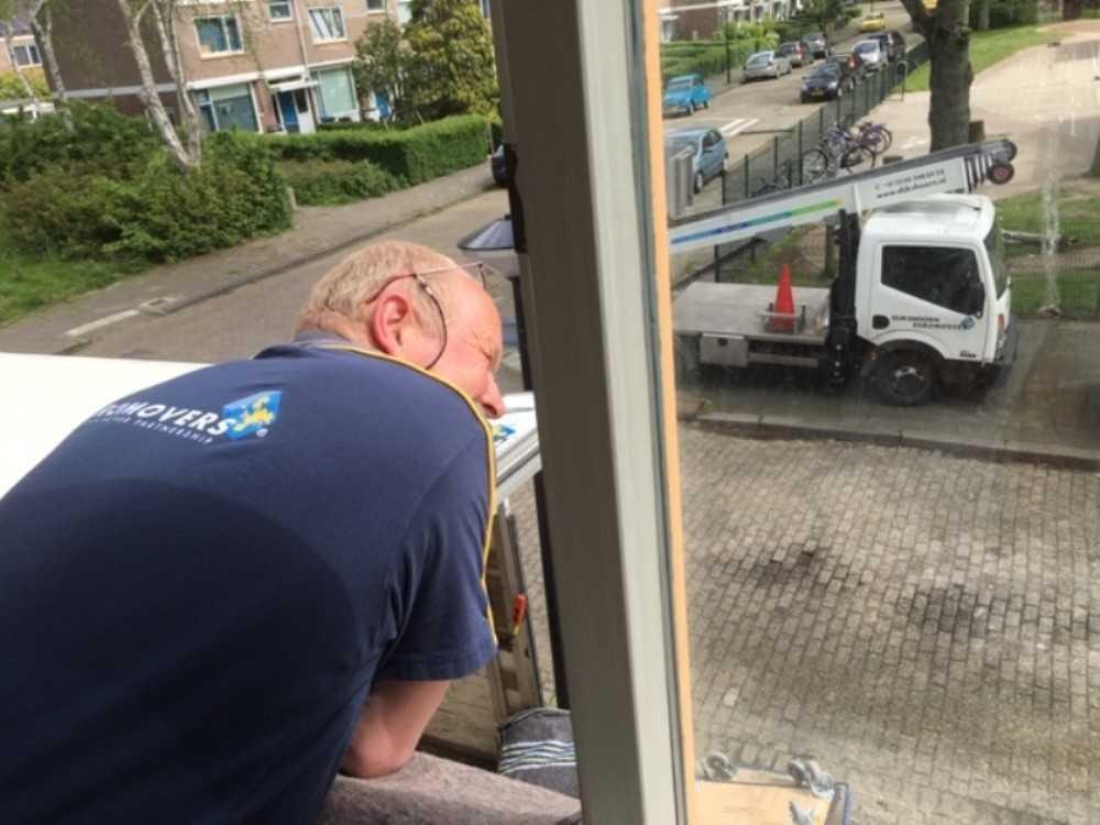 Verhuisbedrijf Dijkshoorn voert gratis verhuizing uit