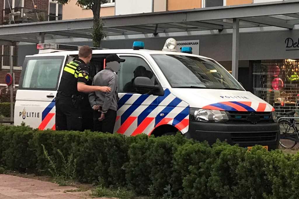Inbrekers op de vlucht, twee arrestaties