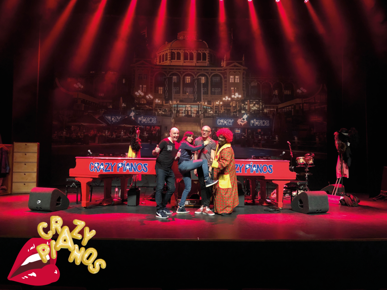 Crazy Pianos gaat het land in