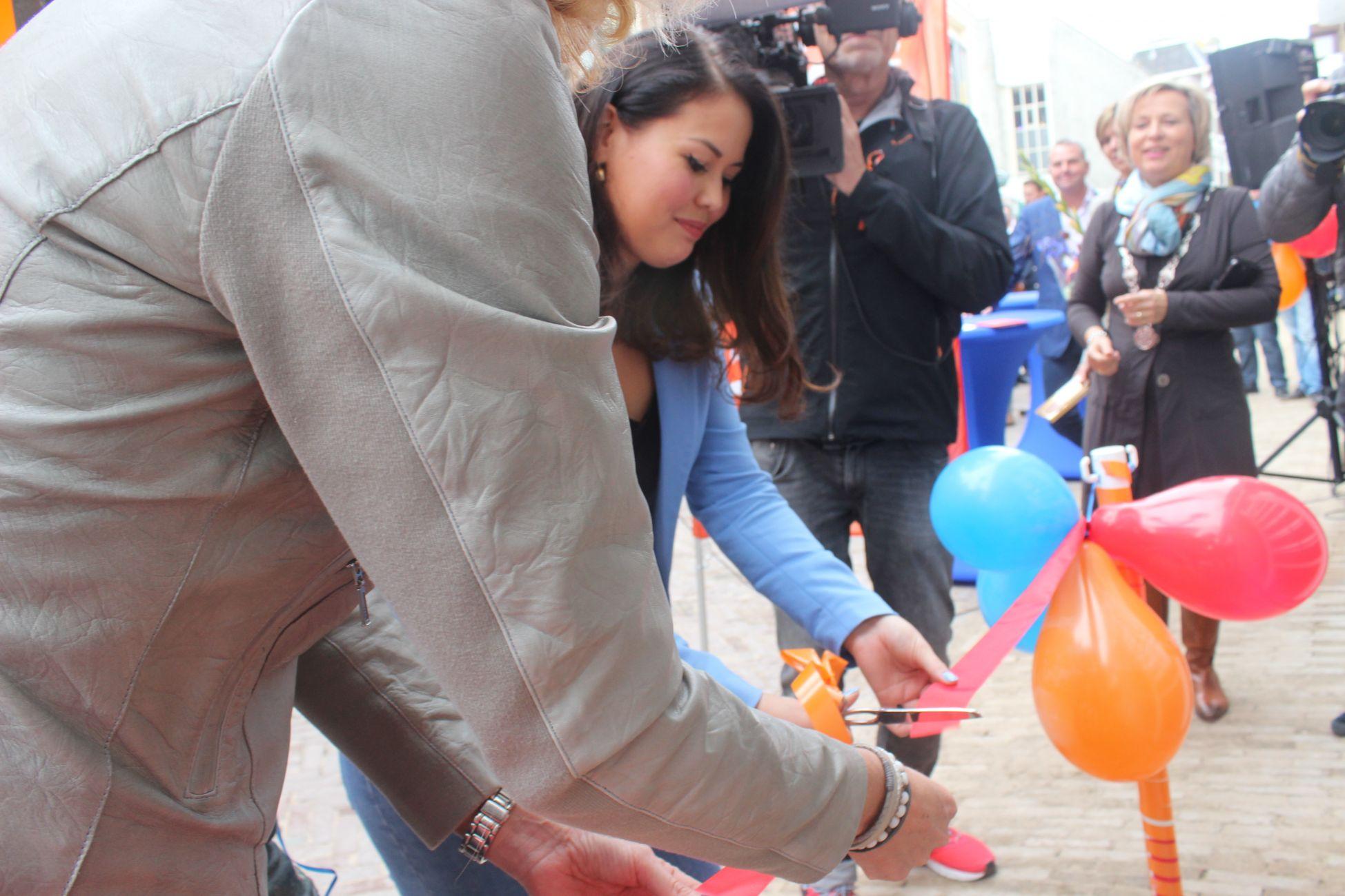 Hoogstraat weer een stukje mooier: nieuw 'Leskipand' geopend