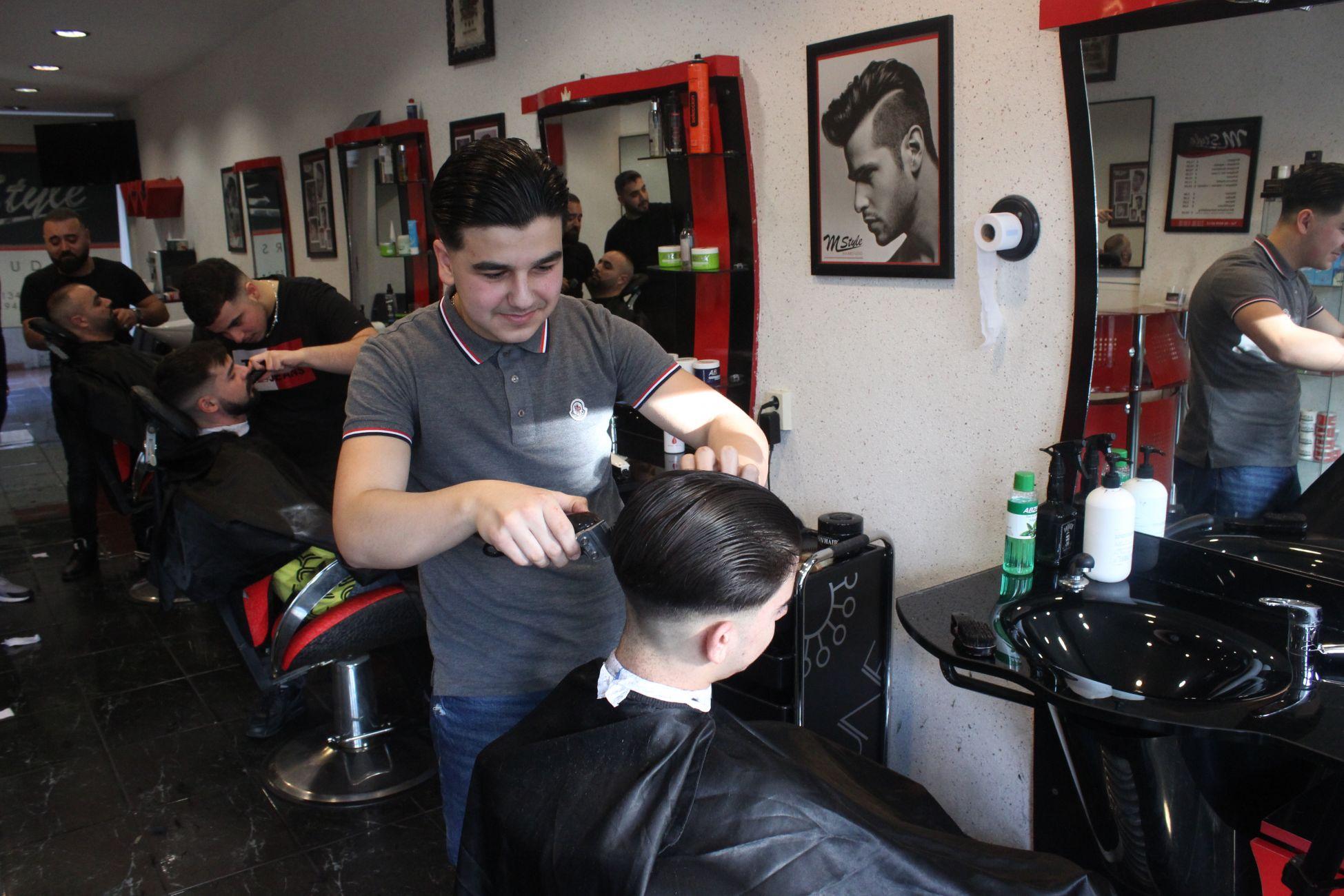 Dit is 'm: de jongste kapper van Nederland!