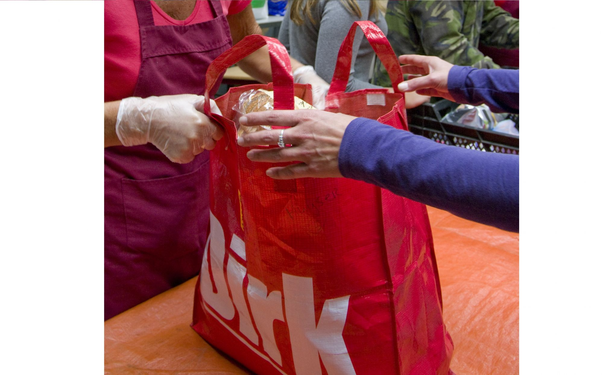 Vrijwilligerswerk tijdens coronacrisis: 'Het is altijd spannend voor ons'