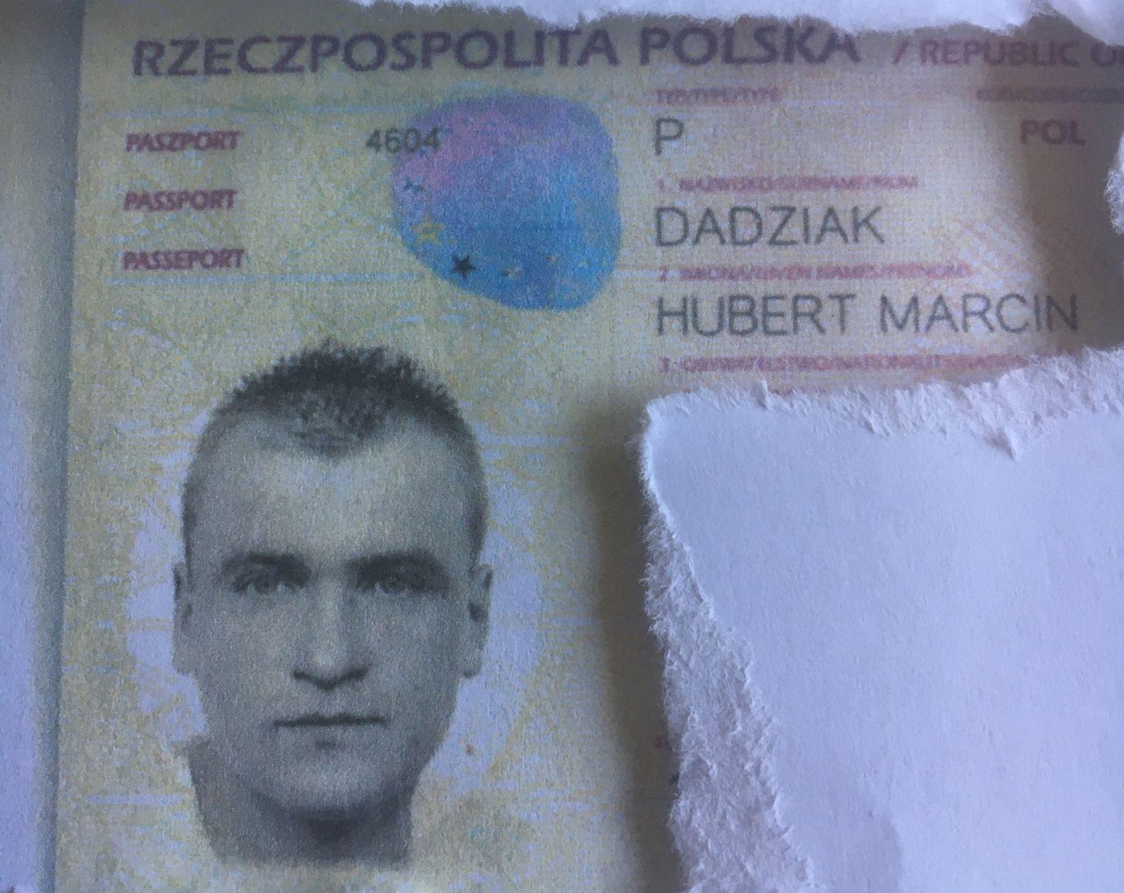 Map met Poolse identiteitskaart gevonden