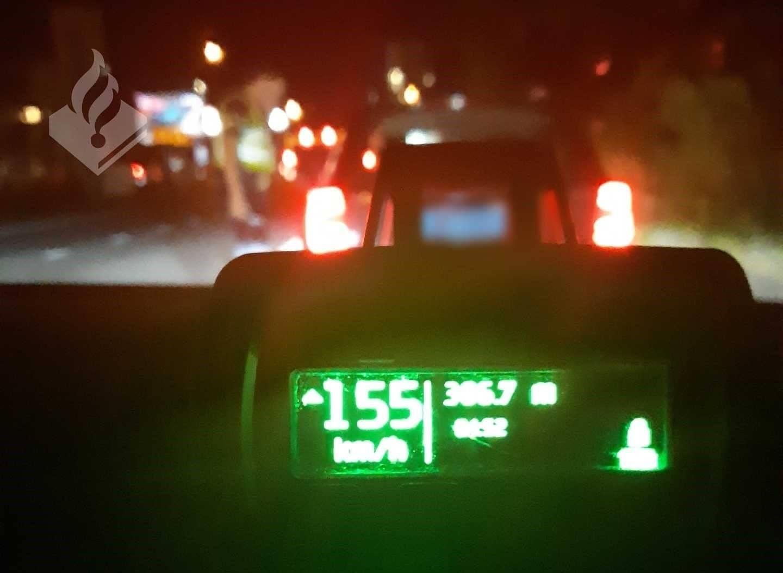 Politie neemt rijbewijs taxichauffeur in