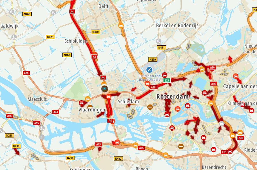 Regen zorgt voor drukte op de snelwegen