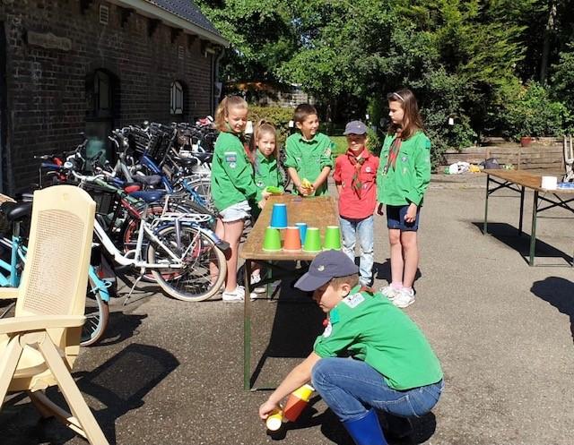 Vriendjes- en Vriendinnetjes opkomst bij Scouting Bevers en Welpen