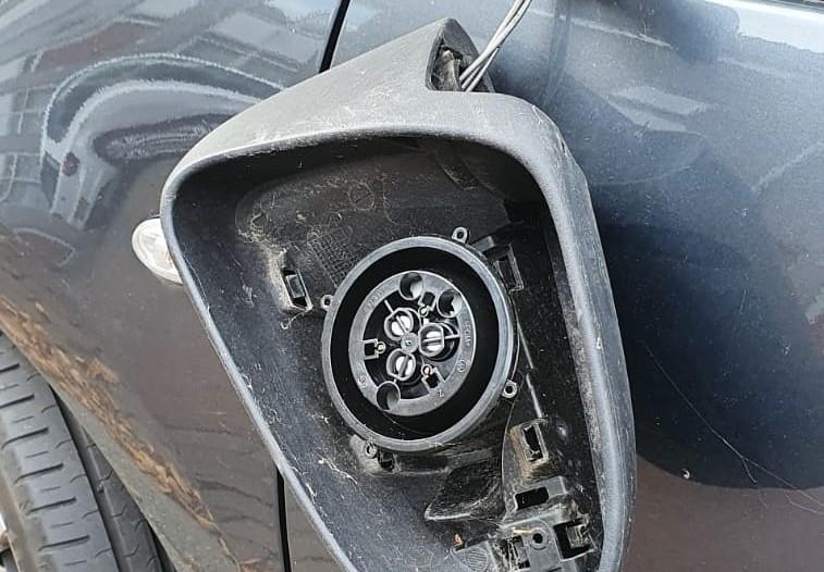 Autospiegels gesloopt in Vlaardingen-Oost
