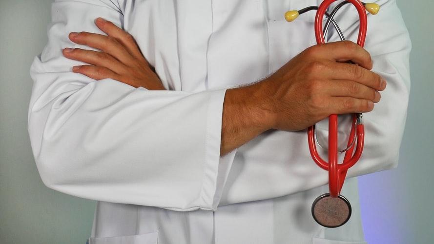 Overstappen van zorgverzekering levert honderden euro's op