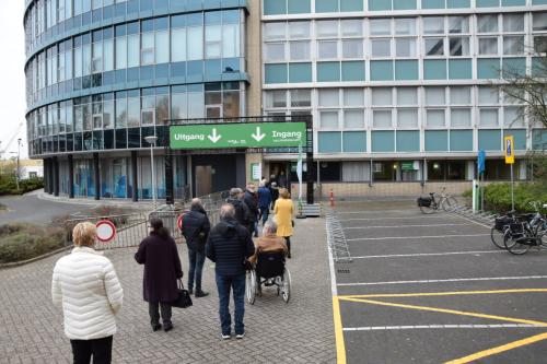 Grote opkomst bij vaccinaties Unilevergebouw