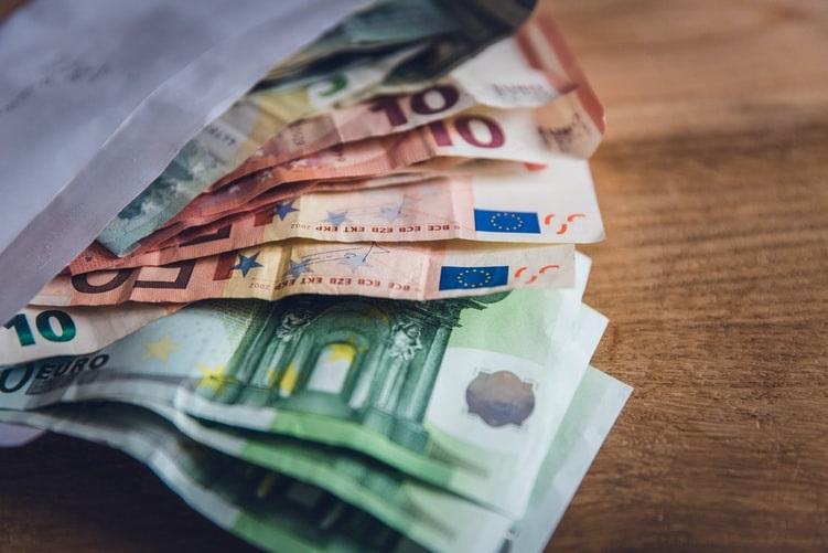 PvdA wil dat gemeente schulden van 'toeslagenouders' overneemt
