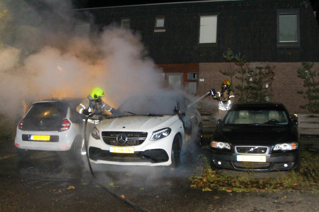 Holy geteisterd door autobranden