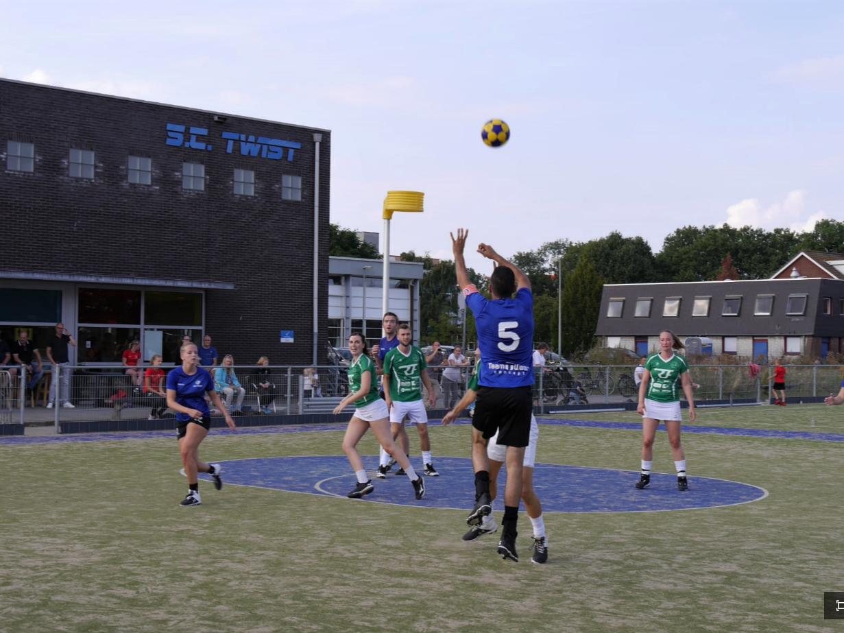 Korfballers Twist overrompelen Rapid uit Haarlem