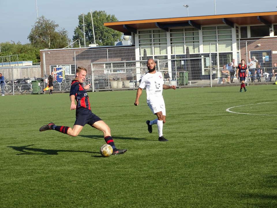 Victoria'04 trekt aan langste eind in doelpuntenfestijn