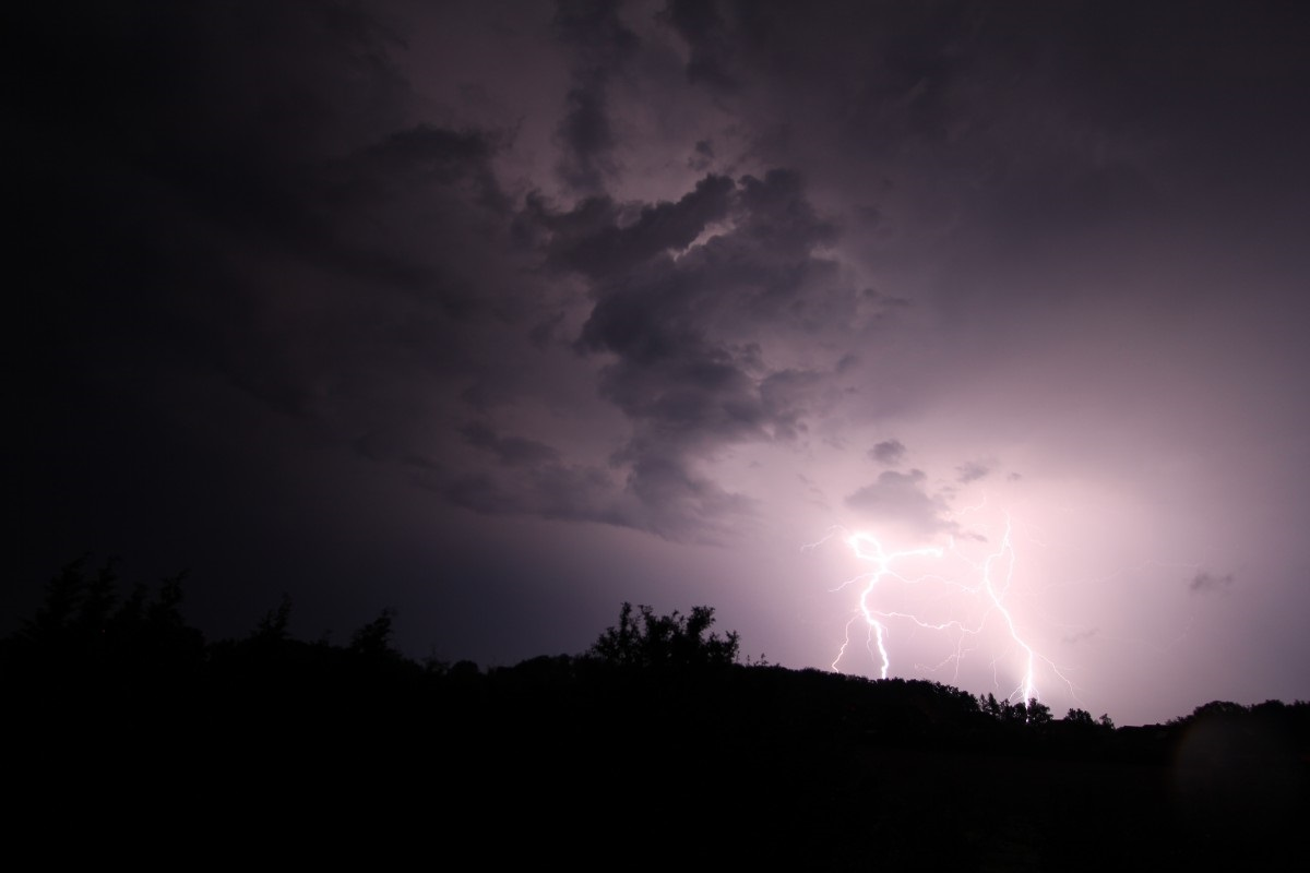 Opnieuw code geel voor zware onweersbuien