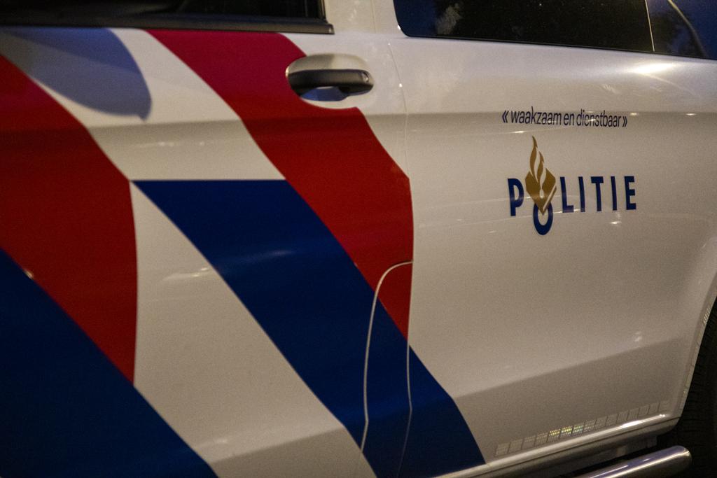 Politie maakt eind aan feestje in de Westwijk