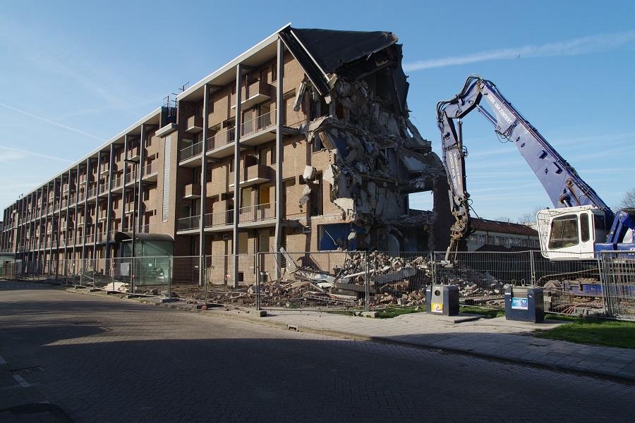 Sloop flatgebouw Bilderdijklaan gestart