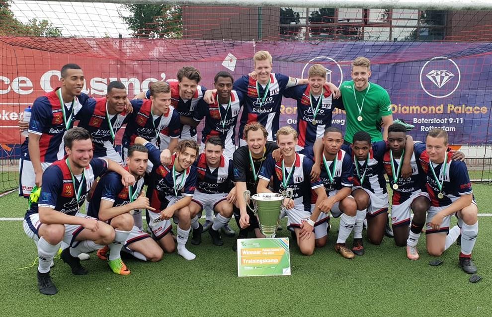 Excelsior Maassluis wint Voetbal Rijnmond Cup