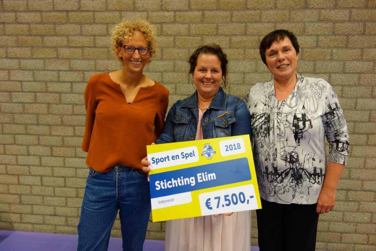 7500 euro van Sport en Spel voor Stichting Elim