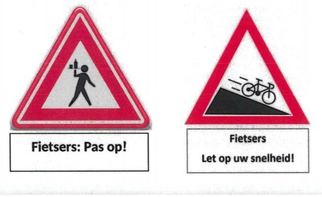Waarschuwingsborden voor fietsers bij de Markt en Wip
