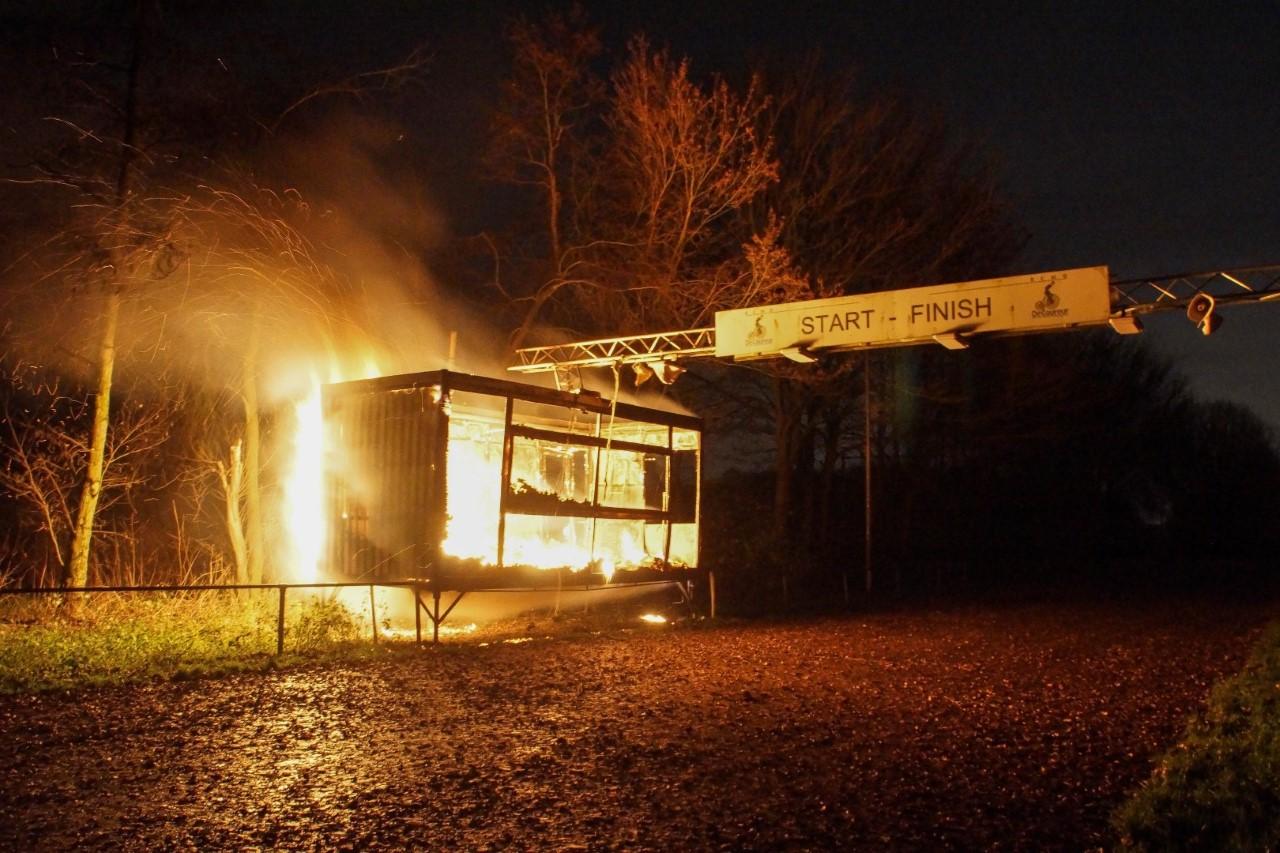 Bijgebouw wielervereniging volledig uitgebrand