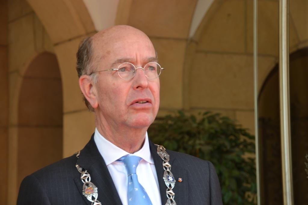 Bas Eenhoorn terug als burgemeester van Vlaardingen