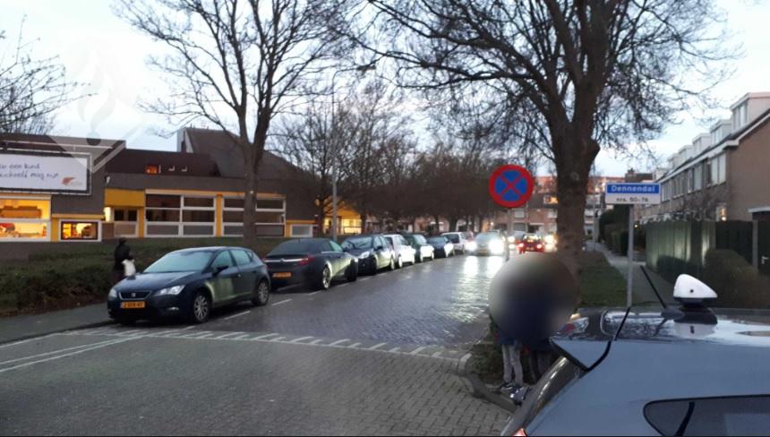 Automobilisten in overtreding bij scholen Dennendal