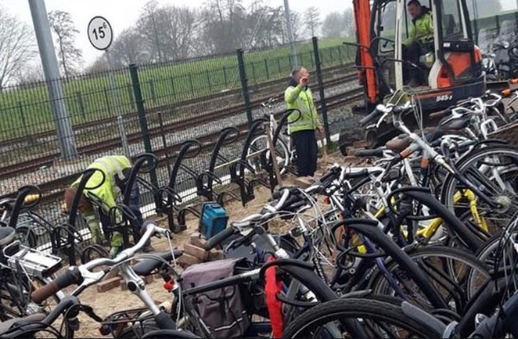 Extra fietsenrekken geplaatst bij station Steendijkpolder