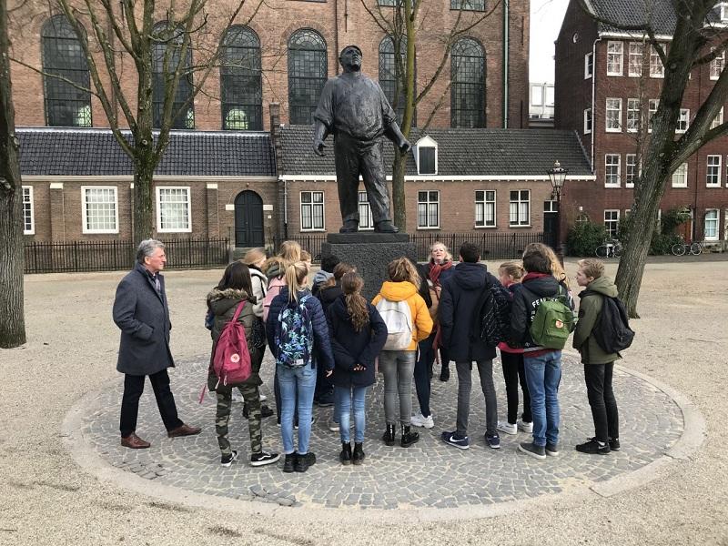 Bezoek brugklassen aan Joods Cultureel Kwartier Amsterdam
