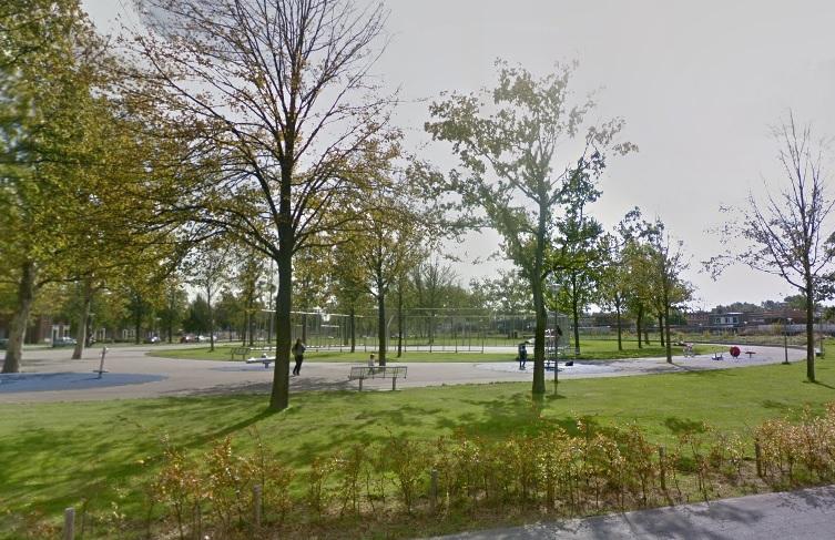 Vrijheidspark in de avond en nacht gesloten