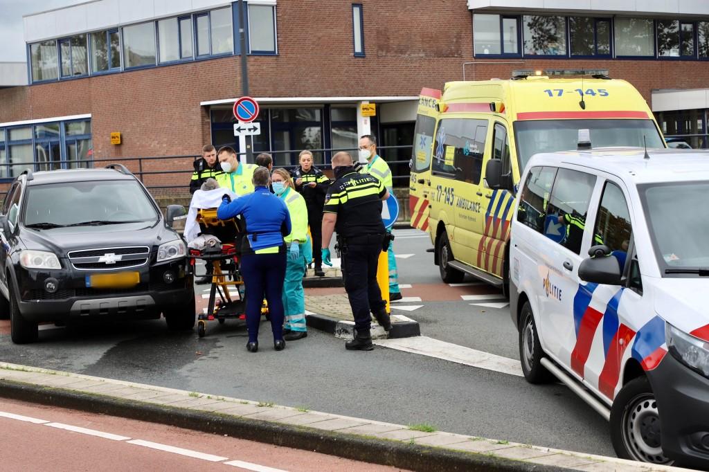 Fietser gewond na aanrijding op Industrieweg