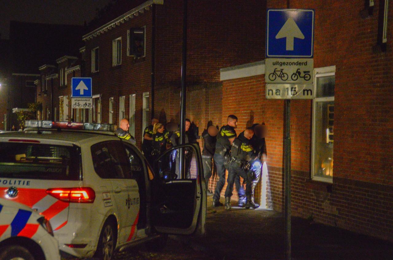 Politie trekt wapens bij aanhouding jongeren in Maassluis