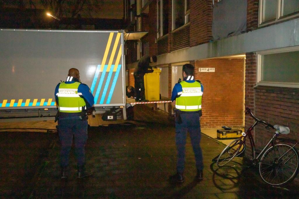Hennepkwekerij opgerold in flat aan Genestetstraat